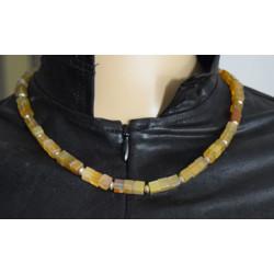 Cubic agate necklace