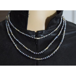 Black pearls necklace