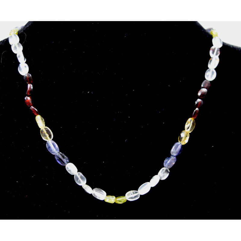 Necklace with rough stones